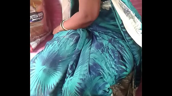 Indian aunty, Indian boobs, Auntie, Indian boob, Aunty indian, Indian showing