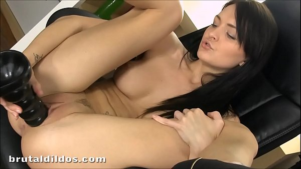 Claire, Bell, Brutal dildo