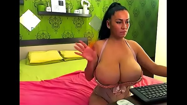 Chat, Omg, Showing tits