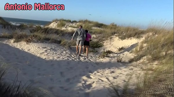 Beach, Public blowjob, Public beach, The public, On the beach, Beach blowjob