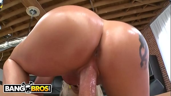B grade, Perfect ass, Dayna, Perfect girls, Dayna vendetta