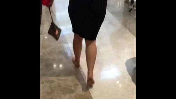 Candid, Mall, Barefoot