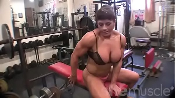 Big tits, Bodybuilder, Bodybuilding, Female bodybuilder, In gym, Bodybuilders