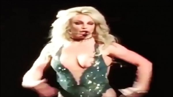 Nipples, Slip, Nipple slip, Britney, Britney spears, Slips